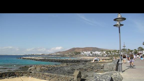Promenada oraz Playa Plamingo w tle