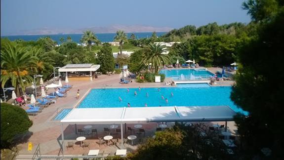 Baseny w hotelu Caravia Beach