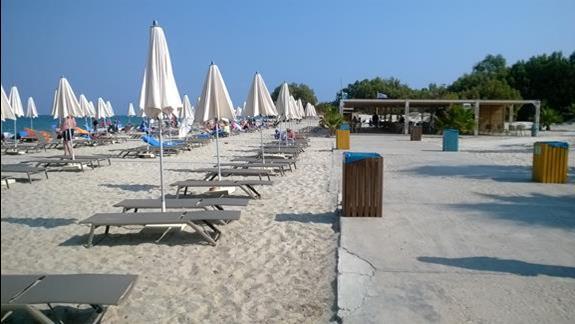 Plaża przy hotelu Caravia Beach
