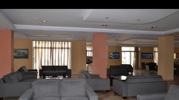 Lobby w hotelu Pyli Bay
