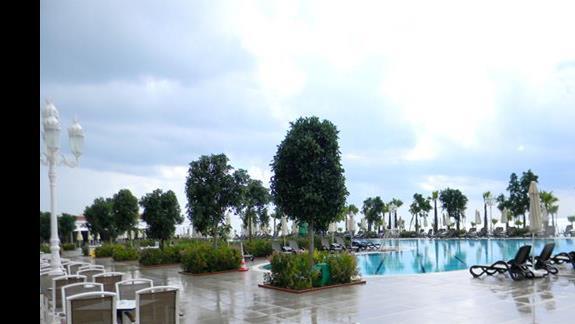 Basen odkryty w hotelu Gural Premier