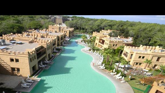 Widok na wille w hotelu Rixos Premium