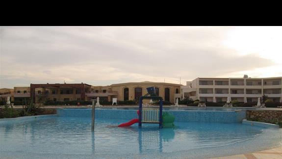 basen z brodzikiem dla dzieci