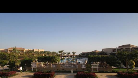 widok na hotel od strony lobby