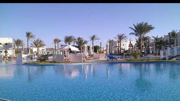 Basen w Hotelu Hilton Marsa Alam Nubian Resort