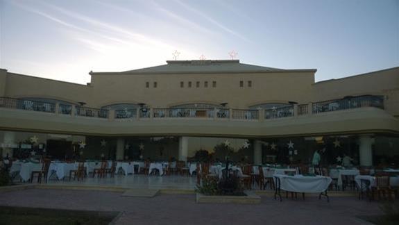 Budynek główny w hotelu Three Cornes Fayrouz