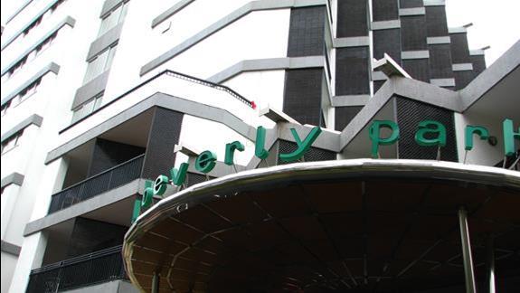 Front budynku Beverly Park