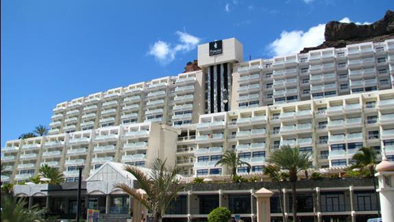 Budynek hotelu Taurito Princess