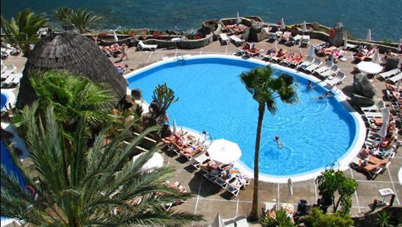 Jeden z basenów w hotelu Taurito Princess