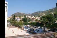 Hotel Santa Lucia le Sabbie D'oro - Widok z jednego z okien (od strony ulicy)