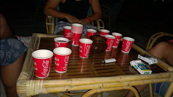 takie kubeczki są do drinków, po ilości poznać, że nie było problemu z barem