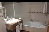 Hotel Best Jacaranda - łazienka -pokój superior