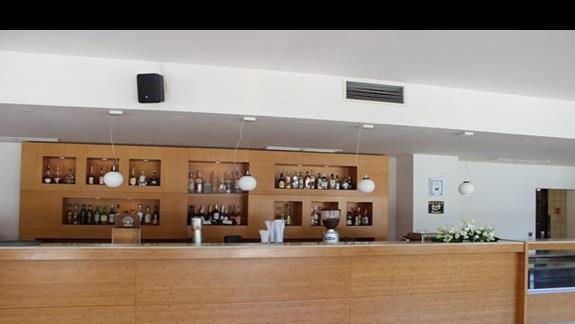 bar w lobby