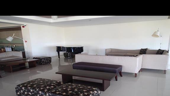 Lobby w hotelu Caravia Beach