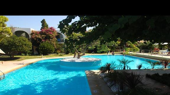 Jeden z basenów w hotelu Caravia Beach
