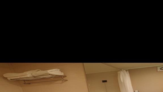 Łazienka w pokoju rodzinnym w bungalowie w hotelu Caravia Beach