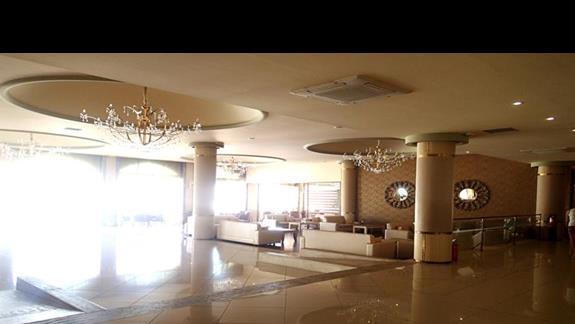 Hol w hotelu Kipriotis Village