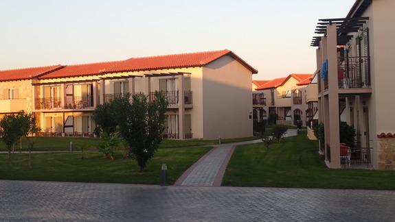 Domki przy wejściu głównym w hotelu Marine Aquapark Resort