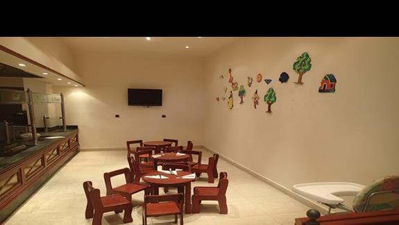 Kacik dla dzieci w restauracji w hotelu Mitsis Ramira Beach