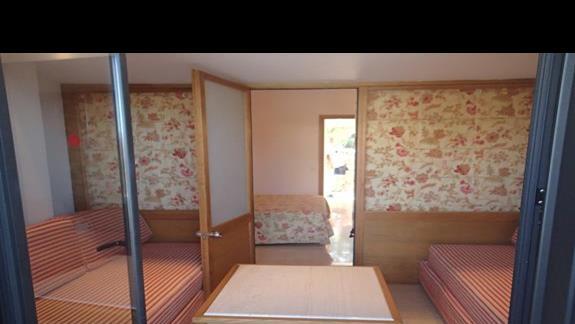 Pokój z prywatnym basenem w hotelu Mitsis Ramira Beach