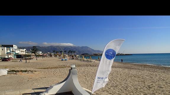 Plaża przy hotelu Valynakis Beach Island Resort