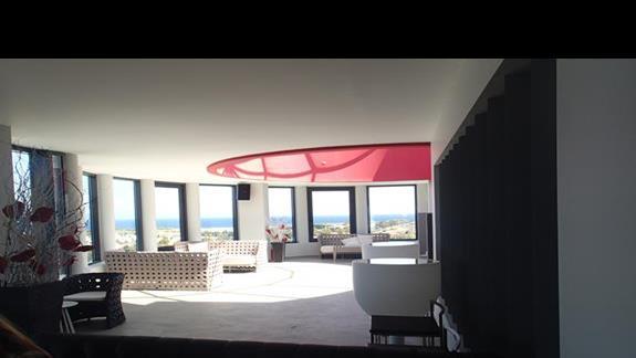 Bar w hotelu Kipriotis Panorama
