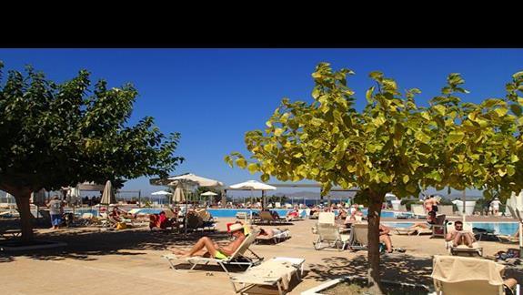 Basen w hotelu Kipriotis Panorama