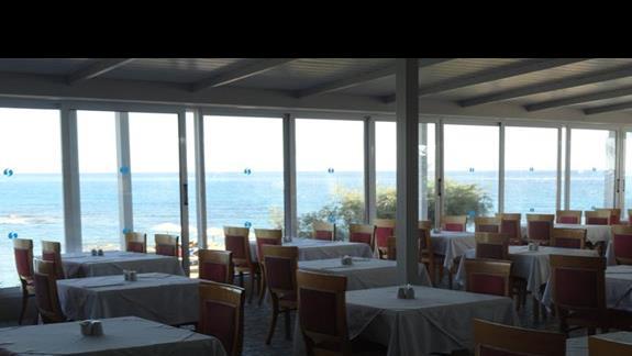 Alexandra Beach - restauracja z widokiem na morze