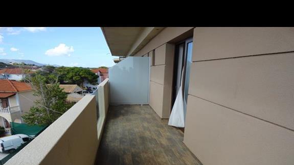 Gardelli Art - balkon w pokoju
