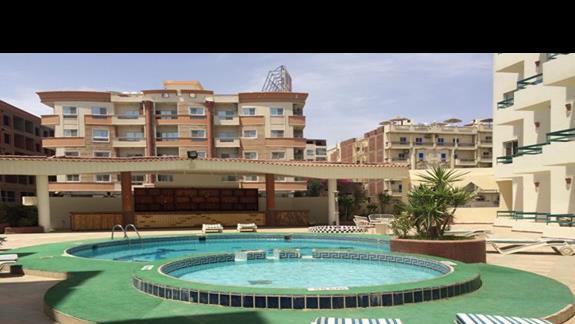 Roma hotel - basen hotelowy