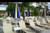 Hotel Admiral Tsilivi - Basen główny - leżaki
