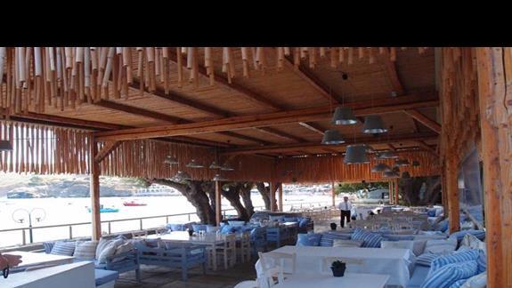 Restauracja hotelowa przy plazy