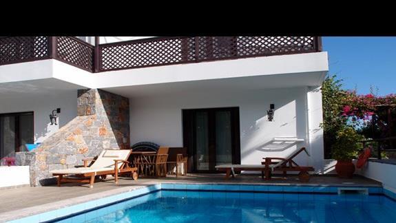 Pokój z prywatnym basenem