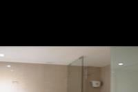 Hotel Apollonia Beach - Łazienka w pokoju dwuosobowym
