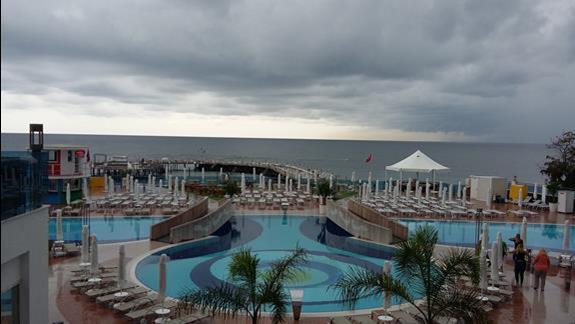 Baseny Hotelu Azura Deluxe Resort & Spa