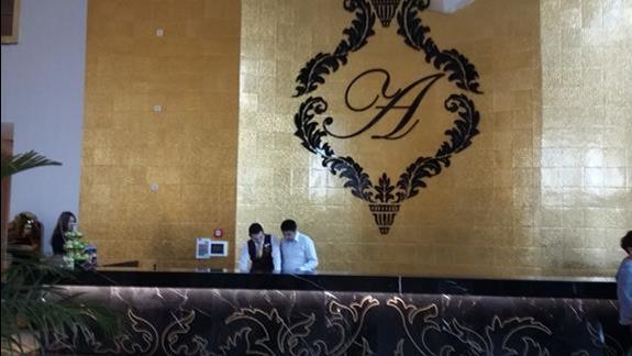 Recepcja Hotelu Azura Deluxe Resort & Spa