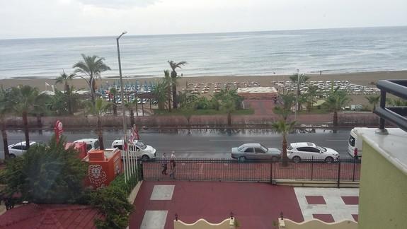Widok na plażę Hotelu Krizantem
