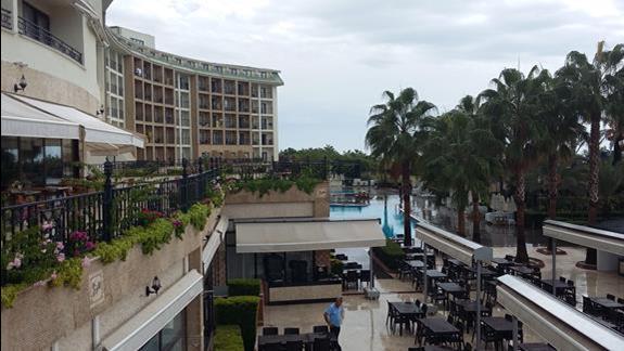 Teren Hotelu Lyra Resort