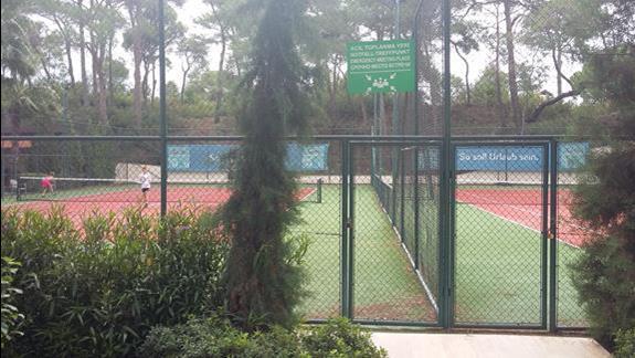 Korty tenisowe  Hotelu Bellis Deluxe