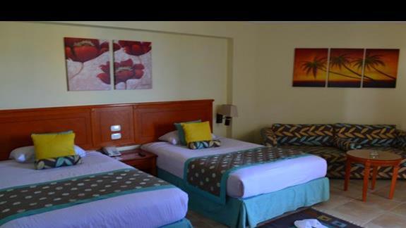 pokój standardowy w hotelu Amwaj Blue Beach Resort&Spa