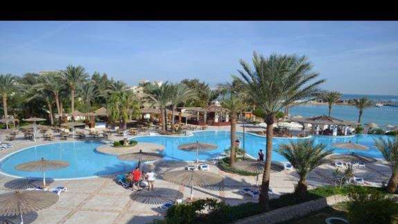 baseny w hotelu Grand Plaza