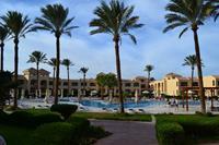 Hotel Cleopatra Luxury Resort - widok na ogród hotelu Cleopatra Luxury Makadi