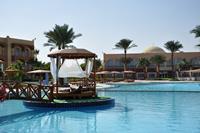 Hotel Desert Rose Resort - basen w hotelu Desert Rose