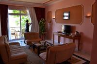 Hotel Desert Rose Resort - pokój club suites sea view  w hotelu Desert Rose