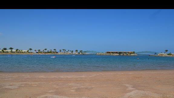 plaża w hotelu Desert Rose