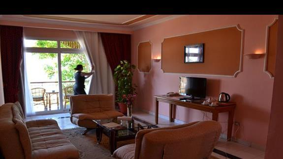 pokój club suites sea view  w hotelu Desert Rose
