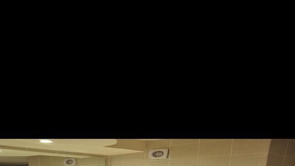 łazienka w pokoju z wid.na morze hotelu Festival Le Jardin