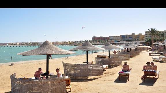 plaża hotelu Festival Le Jardin