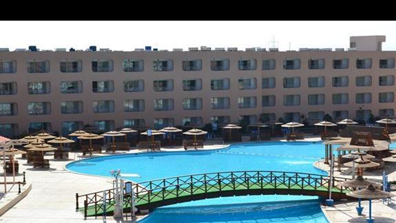basen w hotelu Titanic Resort&Aquapark