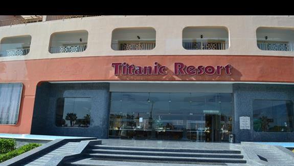 wejście do hotelu Titanic Resort&Aquapark